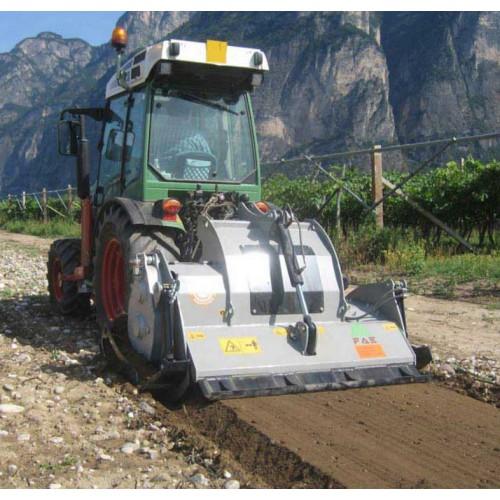 Broyeur de pierre  sur tracteur 95 Cv L 1 000 mm